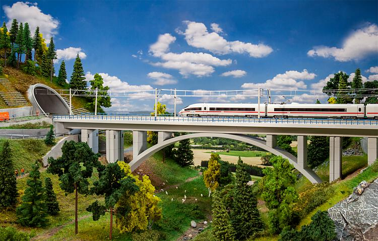 N Scale - Faller - 222573 - Double Track Concrete Arch Deck Bridge - Bridges and Piers - Modern Concrete Arched Bridge