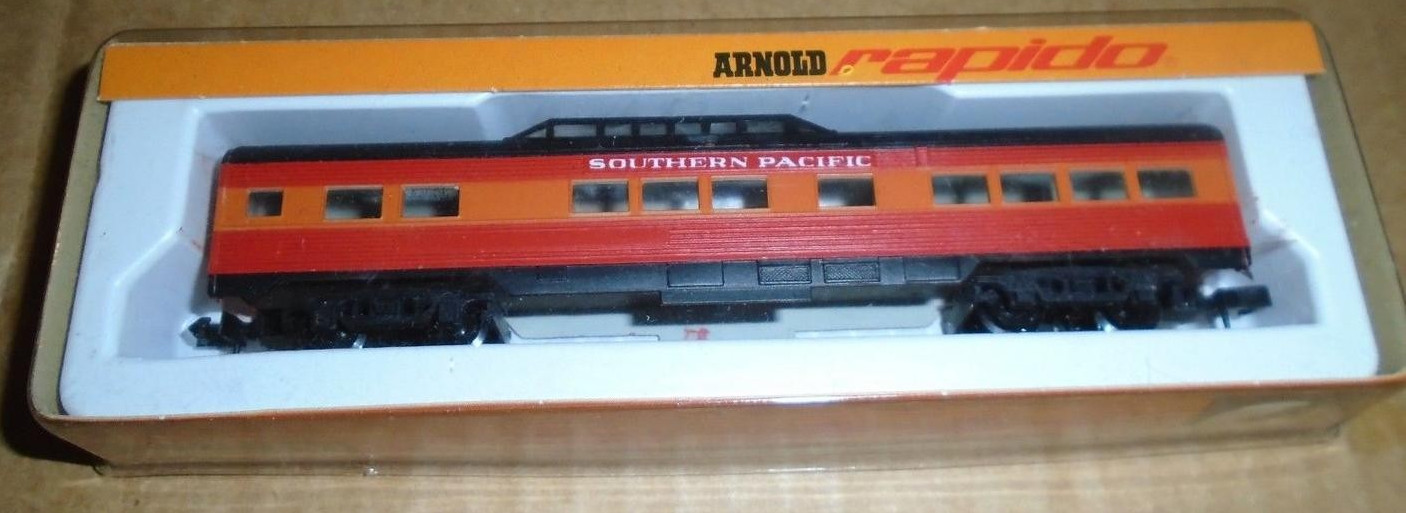 N Scale - Arnold - 0353SP - Passenger Car, Lightweight, Corrugated - Southern Pacific - 353