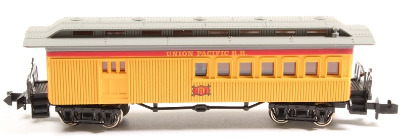 N Scale - Bachmann - 5570 - Passenger Car, Old Time, Combine - Union Pacific - 9