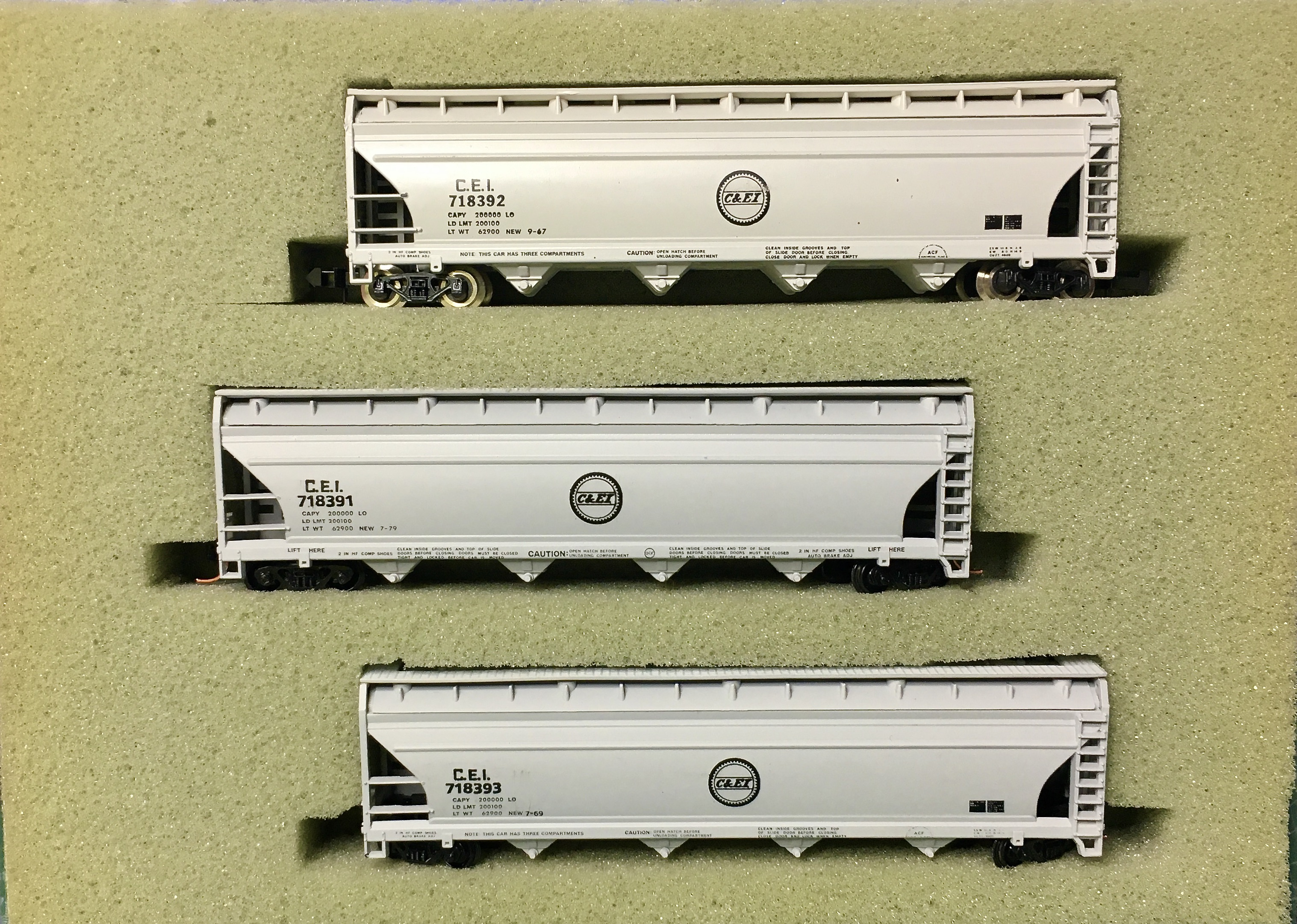 N Scale - N Hobby Distributing - 59 - Covered Hopper, 4-Bay, ACF Centerflow - Chicago & Eastern Illinois - 718391, 718392, 718393