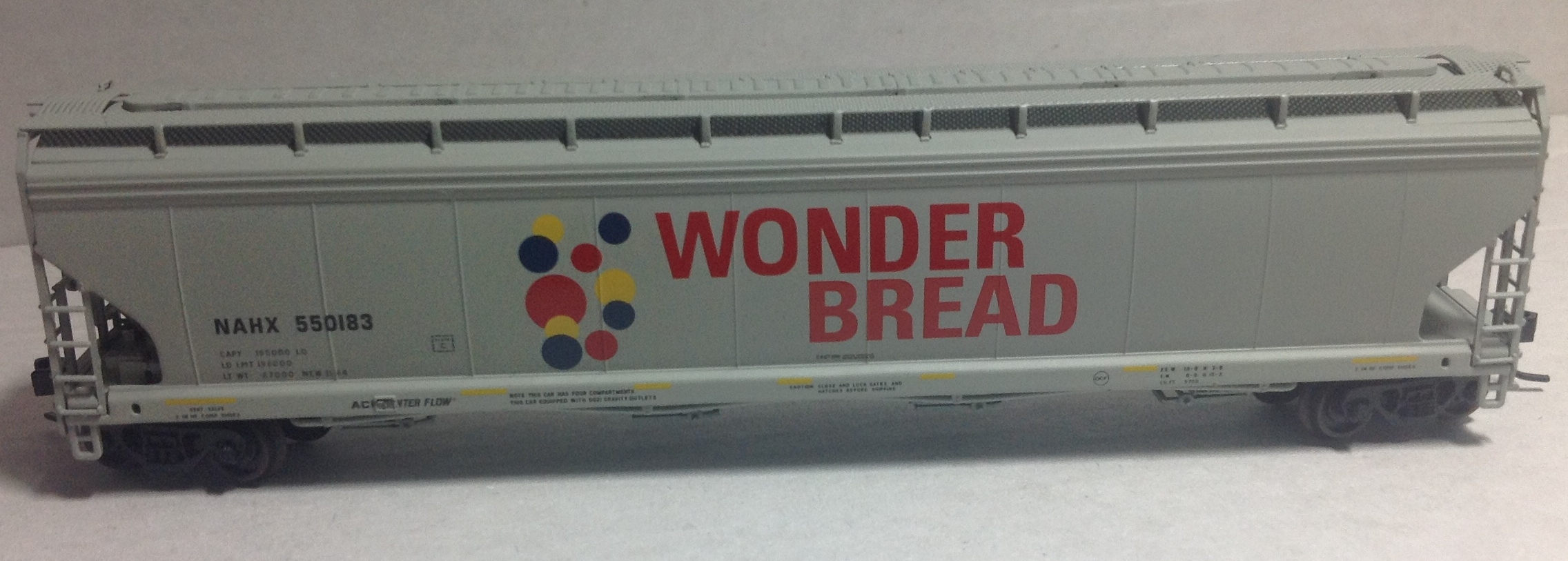 N Scale - N Scale Enthusiast - NSC_WB550183 - Covered Hopper, 4-Bay, ACF 5748/5800 - Wonder Bread - Hostess - 550183