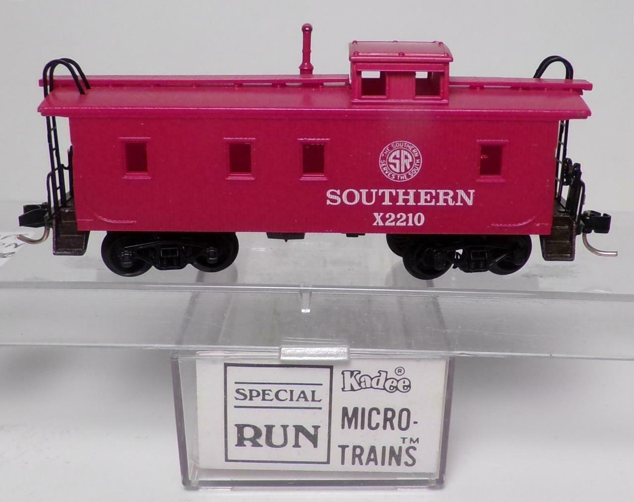 N Scale - Brooklyn Locomotive Works - BLW-120 - Caboose, Cupola, Wood - Southern - X2210