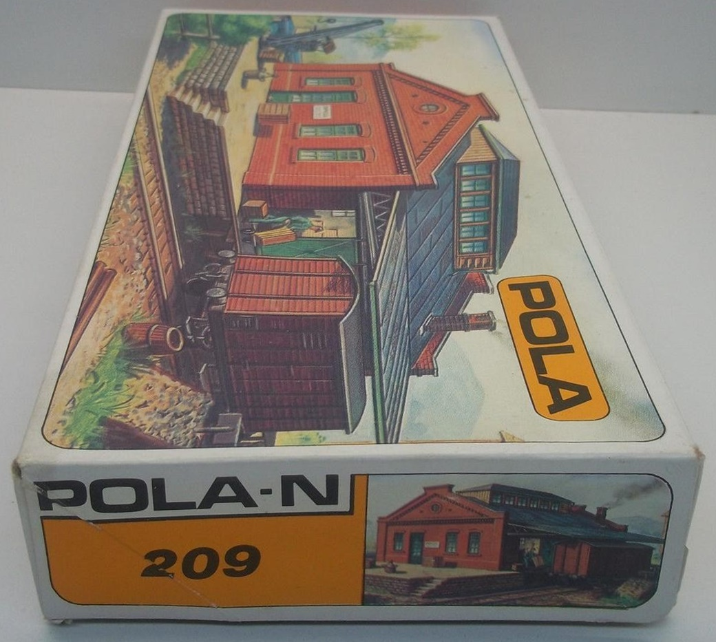 N Scale - Pola - 209 - Freight Depot  - Railroad Structures - Freight Station