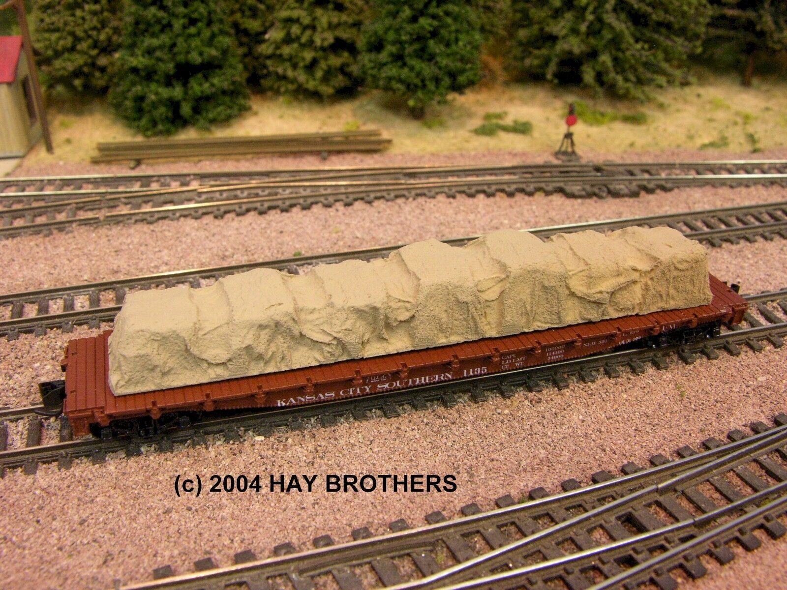 N Scale - Hay Bros - GEN 021 - Load - Painted/Unlettered