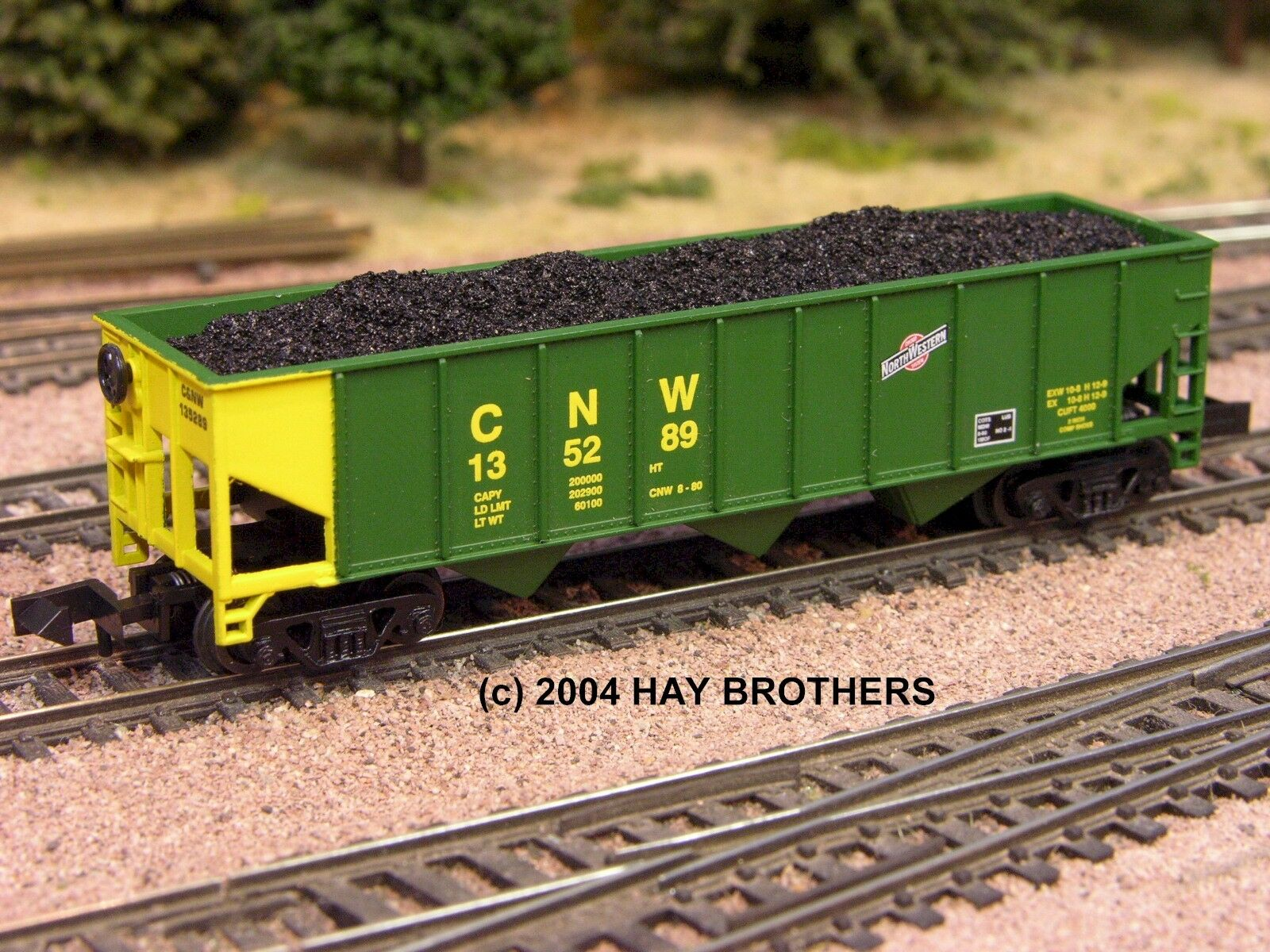 N Scale - Hay Bros - 5501 01 - Load - Painted/Unlettered - Coal Load