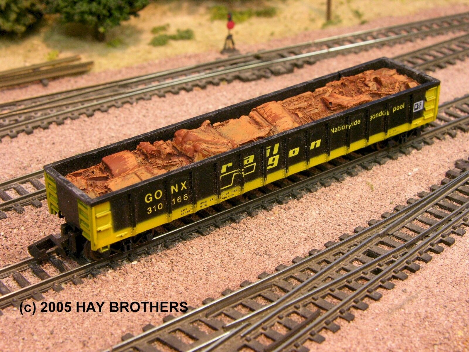 N Scale - Hay Bros - 5503 11 - Load - Painted/Unlettered - Crushed Auto Body 1940-53  Load