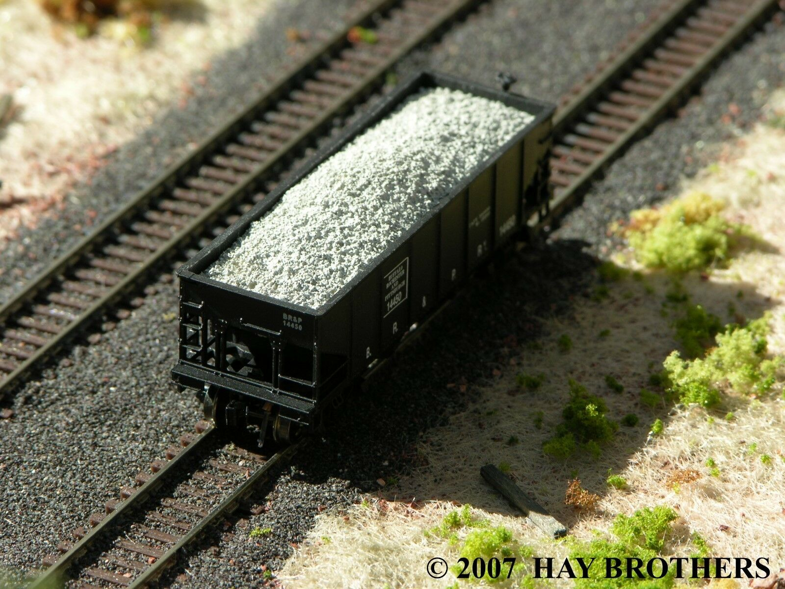N Scale - Hay Bros - 2802 05 3 - Load - Painted/Unlettered - Ballast / Gravel Load (3-Pack)