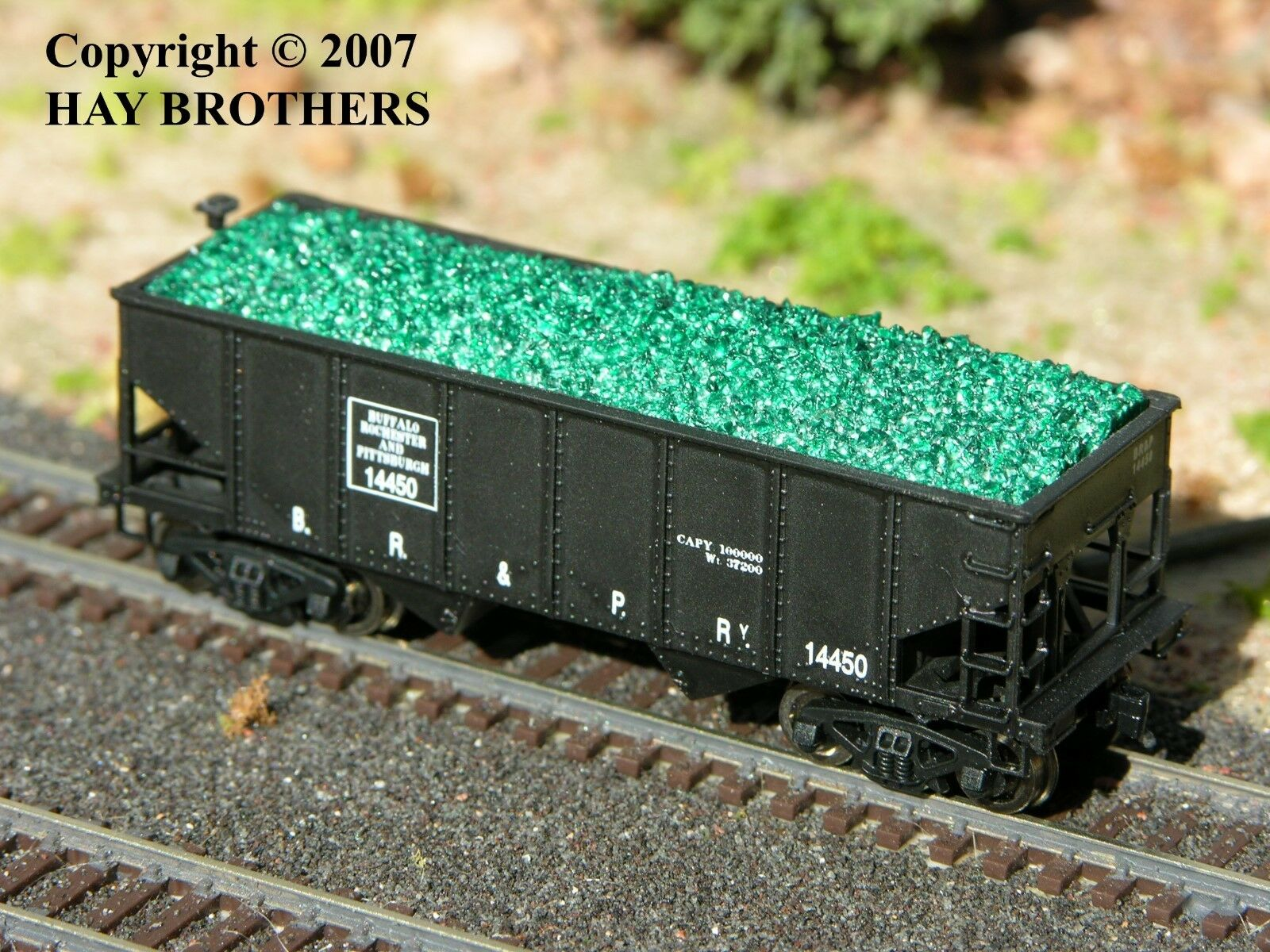 N Scale - Hay Bros - 2802 03 - Load - Painted/Unlettered - Crushed Green Glass Load