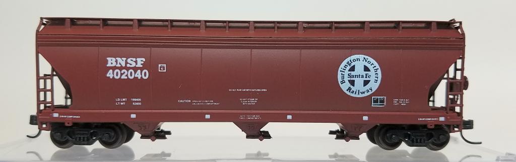 N Scale - InterMountain - BLW-1185-B2 - Covered Hopper, 3-Bay, ACF 4650 - Burlington Northern Santa Fe - 402040