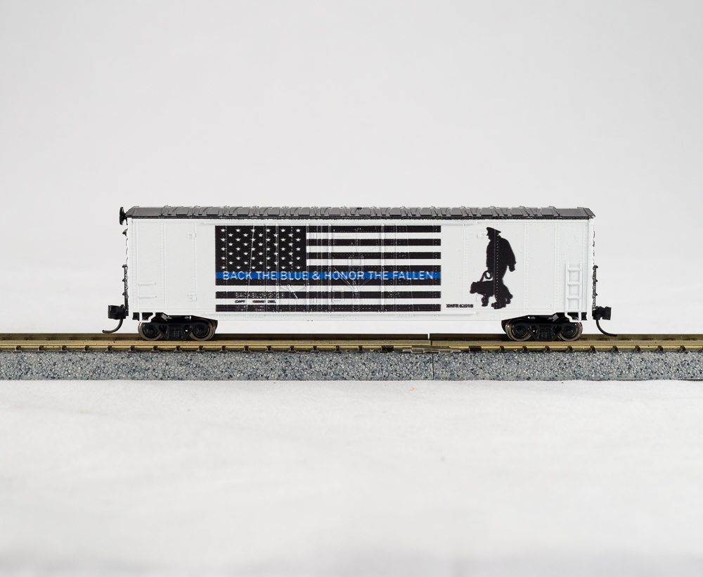 N Scale - Con-Cor - 0001-006064 - Boxcar, 50 Foot, Double Plug Door - Painted/Lettered - First Responders