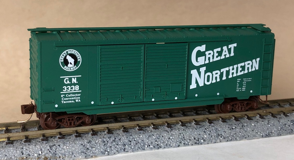 N Scale - Micro-Trains - NSC 97-69 - Boxcar, 40 Foot, PS-1 - Great Northern - 3250