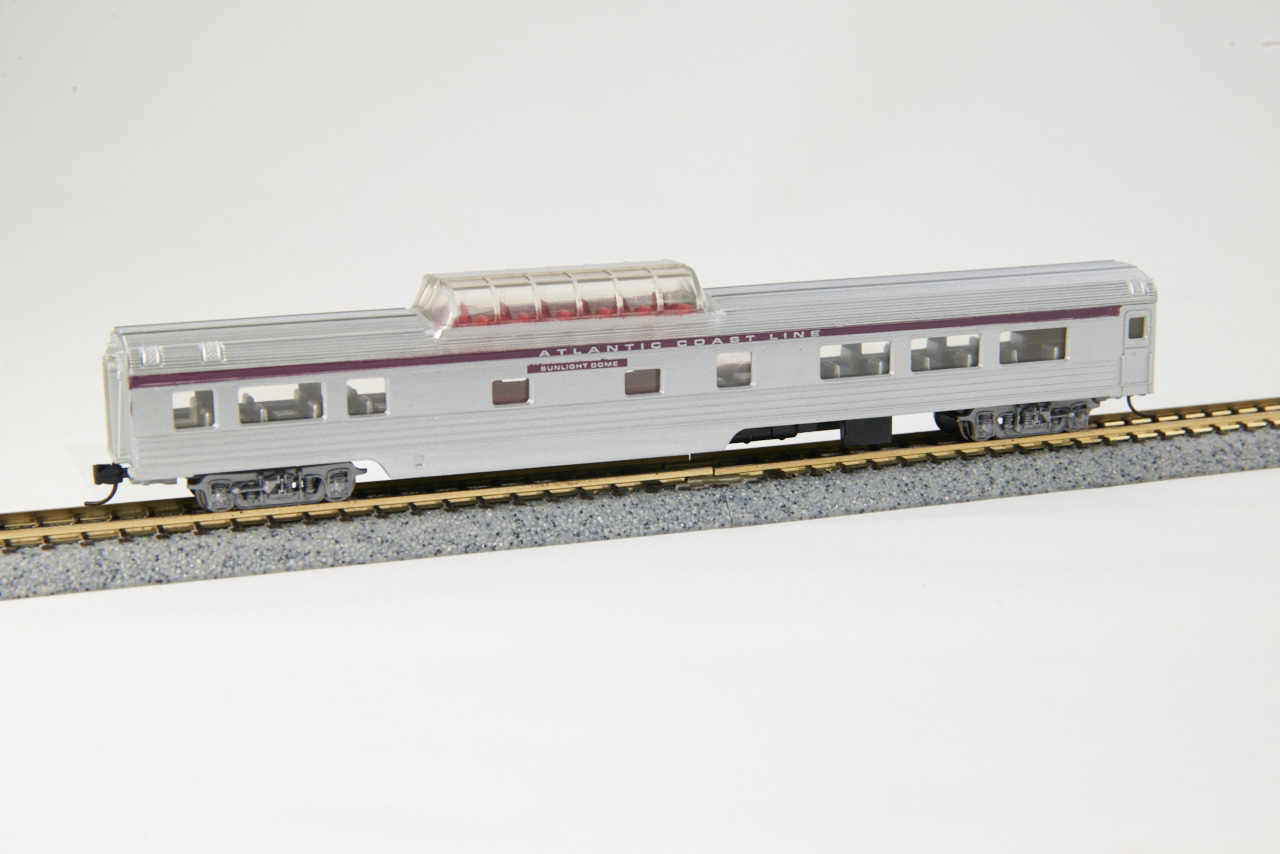 N Scale - Con-Cor - 0003-5473 - Passenger Car, Streamlined, Mid Train Dome - Atlantic Coast Line - Sunlight Dome