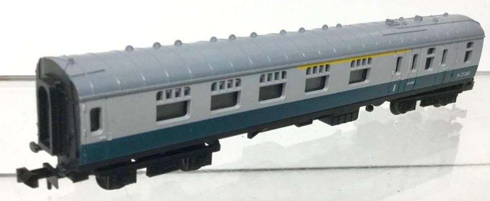 N Scale - Hornby-Minitrix - N304 - Passenger Car, British Rail, Mark 1 Coach - British Rail - M 21240