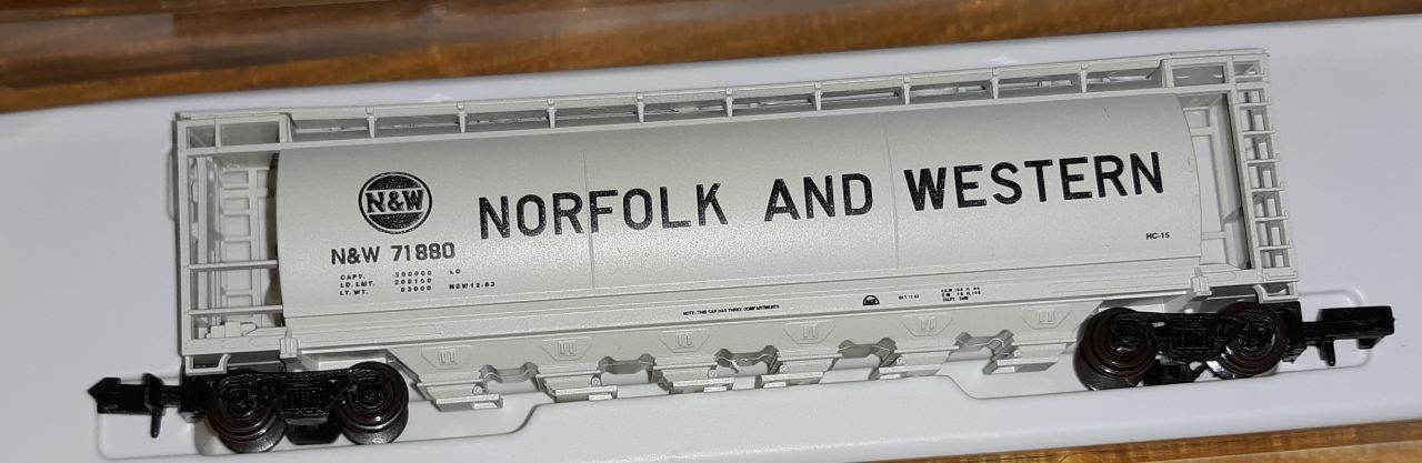 N Scale - Bowser - Unknown - Covered Hopper, 6-Bay, ACF Cylindrical - Norfolk & Western - 71880
