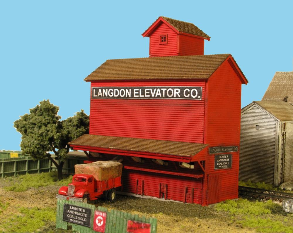 N Scale - Monroe Models - 9215 - Coal Elevator - Commercial Structures - Langdon Coal Elevator