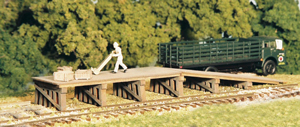 N Scale - Monroe Models - 9203 - Loading Ramp - Railroad Structures - Railroad Loading Ramp