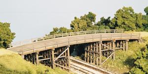 N Scale - Monroe Models - 9007 - Structure, Wooden Bridge - Railroad Structures - Country Road Bridge