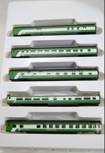 N Scale - Con-Cor - 0001-004007 - Passenger Car, Lightweight, Smoothside - Burlington Northern - 5-Unit