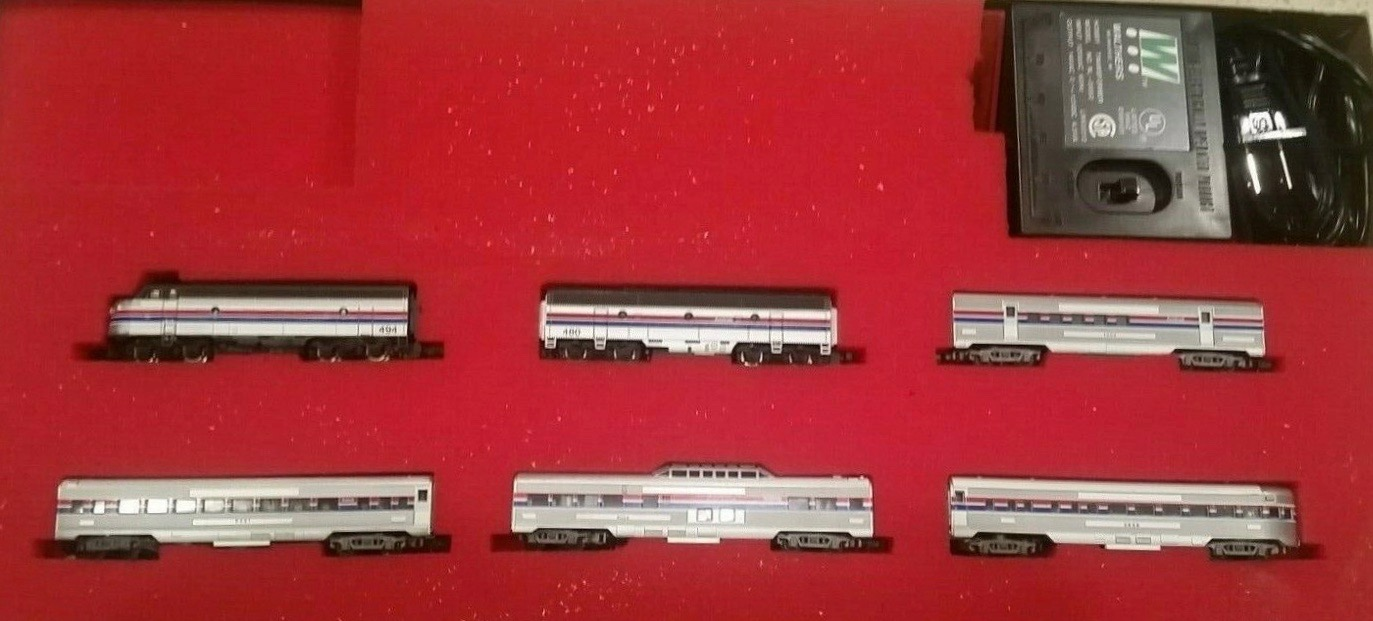 N Scale - Walthers - 125-521 - Freight Train, Diesel, North American, Modern Era - Amtrak - 6 Car Train Set