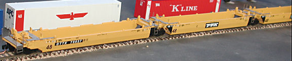 N Scale - Deluxe Innovations - 200111 - Container Car, Articulated Well, Maxi-III - Trailer Train - Set B