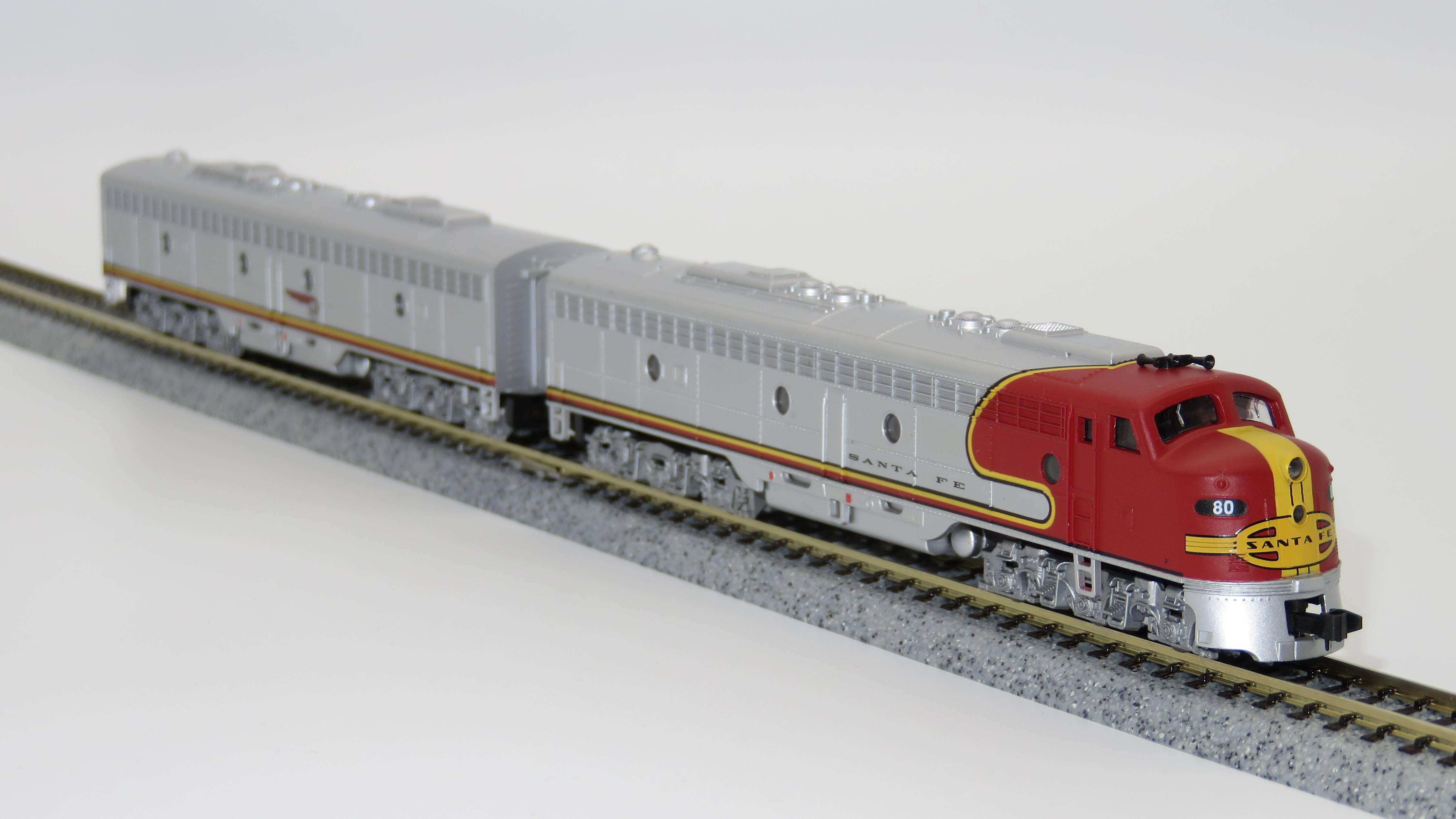 N Scale - Life-Like - 7827 - Locomotive, Diesel, EMD E8 - Santa Fe - 80L, 80A