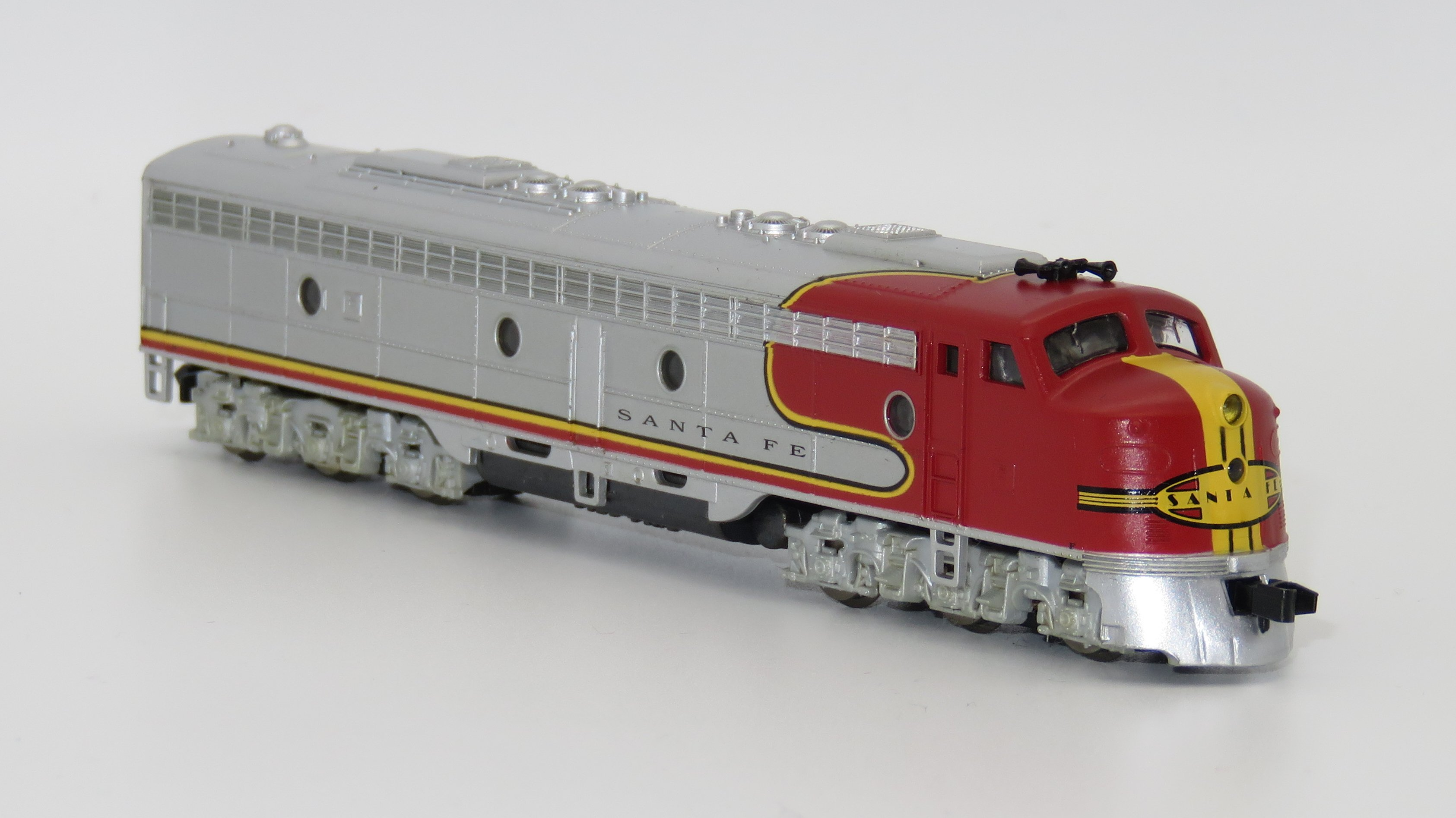 N Scale - Life-Like - 7159 - Locomotive, Diesel, EMD E8 - Santa Fe