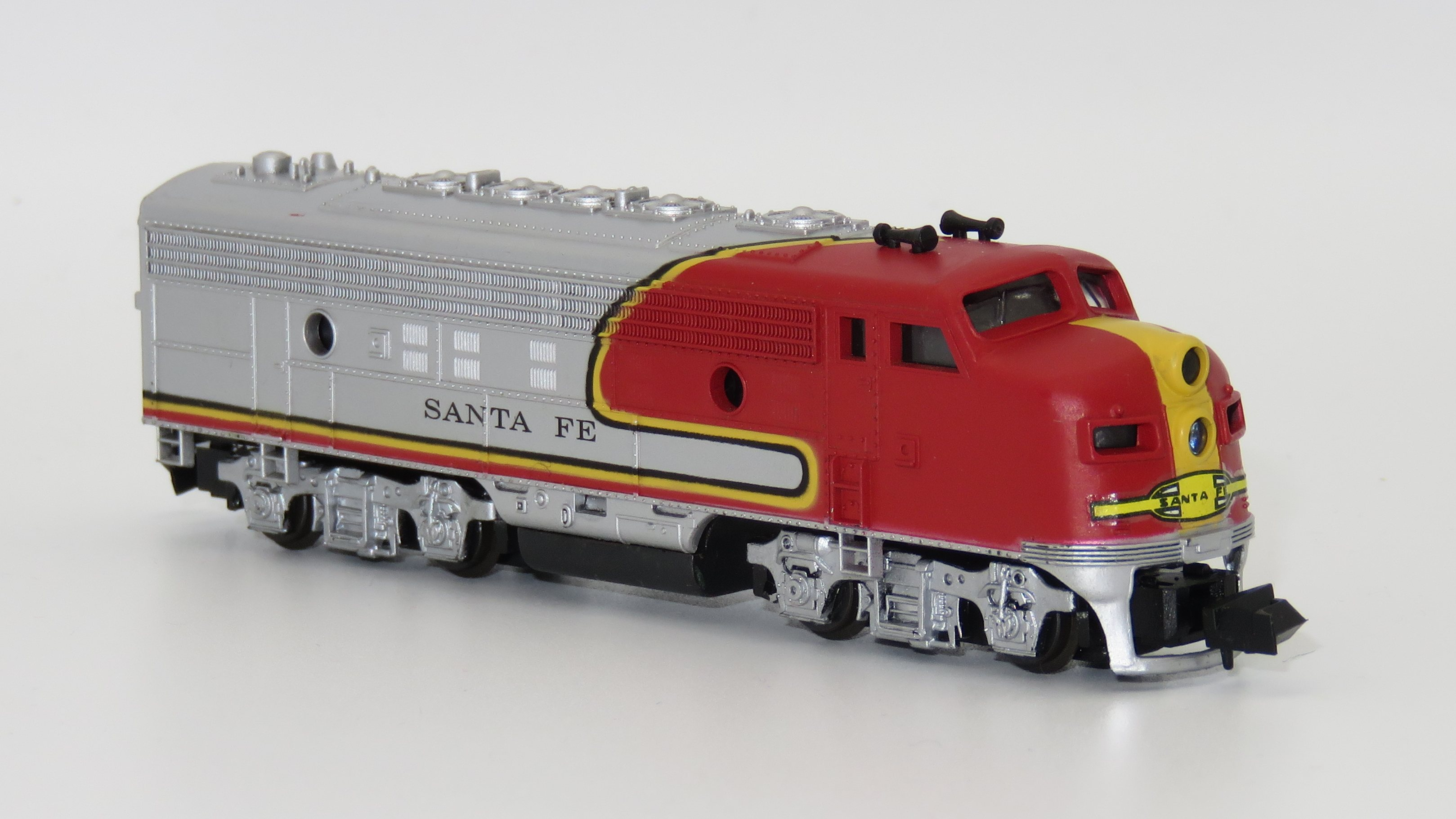 N Scale - Life-Like - 7756 - Locomotive, Diesel, EMD F7 - Santa Fe