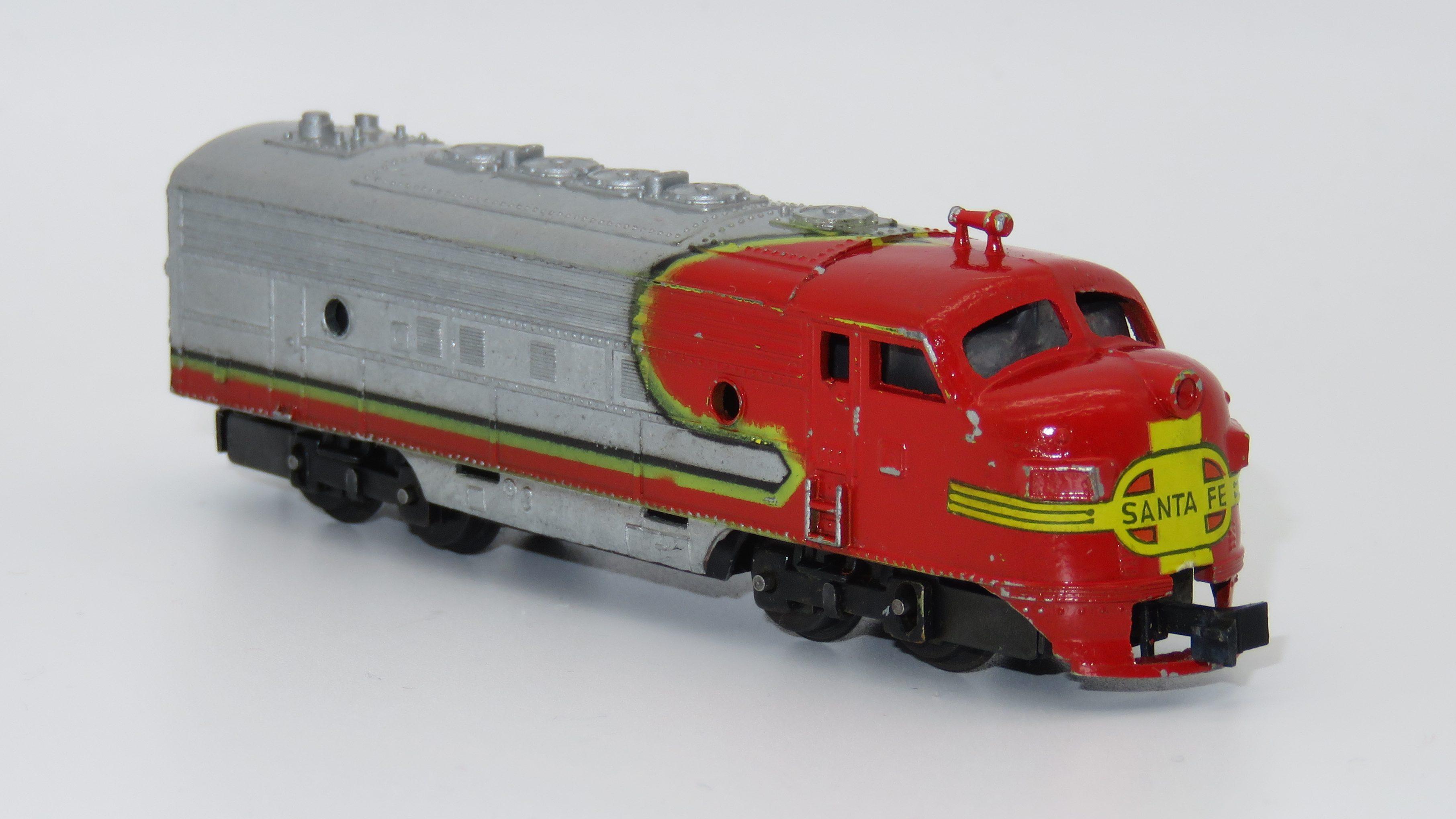 N Scale - Arnold - 0264 SF - Locomotive, Diesel, EMD F9 - Santa Fe