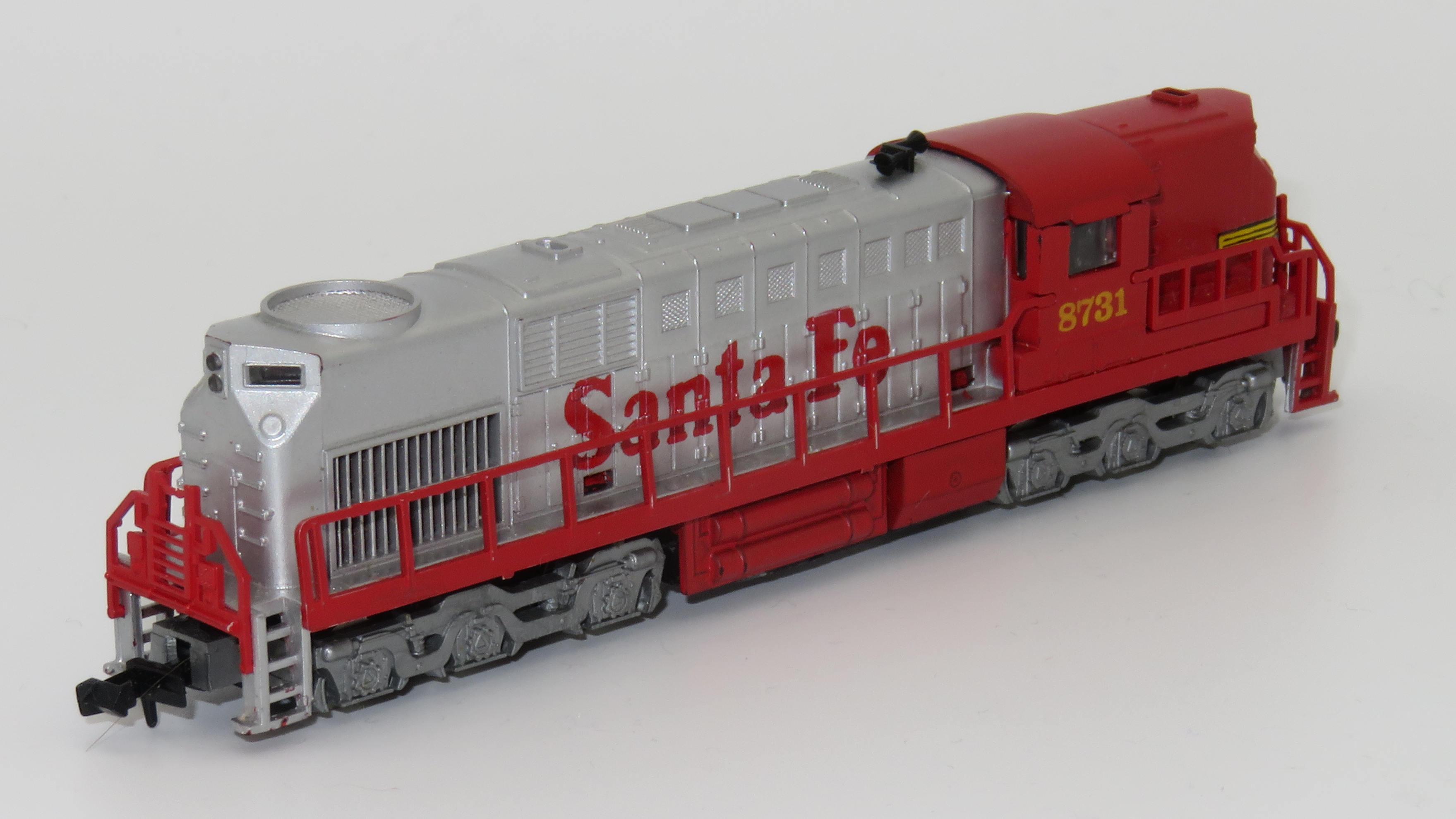 N Scale - AHM - 26301-A - Locomotive, Diesel, Alco RSD-15 - Santa Fe - 8731