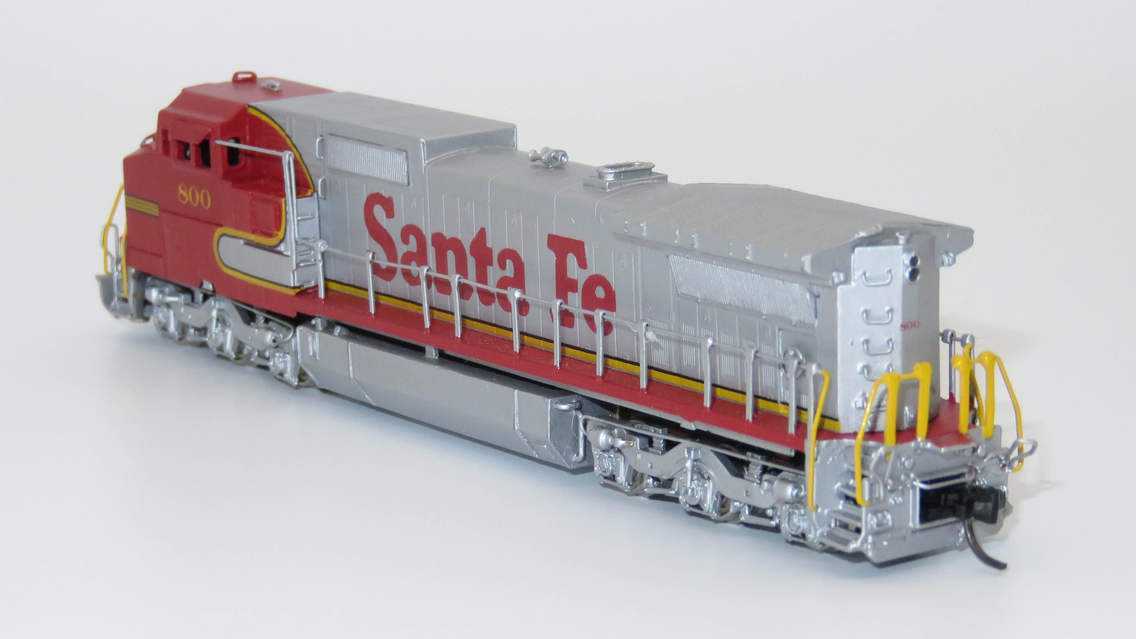 N Scale - Hallmark Models - NS0579 - Locomotive, Diesel, GE Dash 8 - Santa Fe - 800
