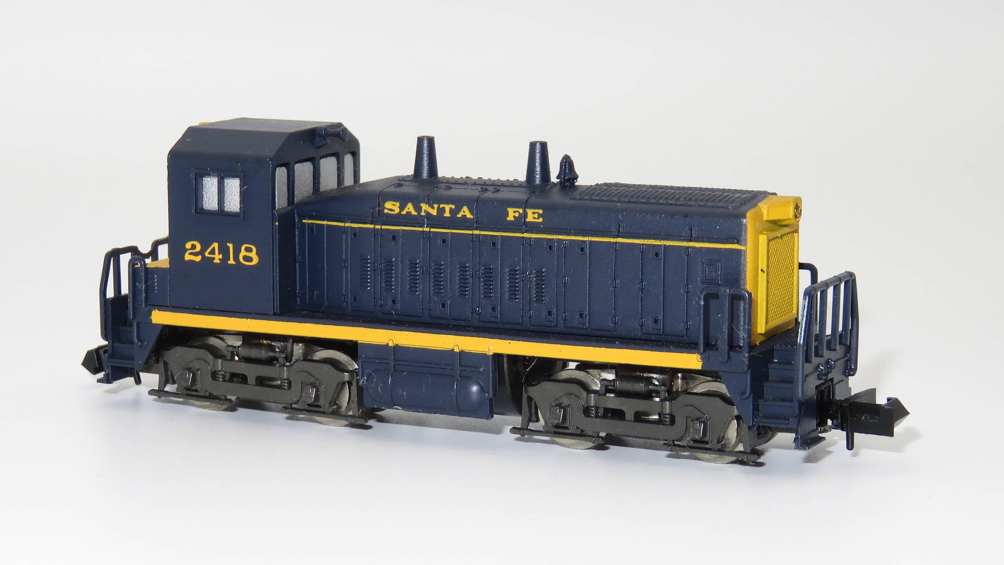 N Scale - Rivarossi - 9101 - Locomotive, Diesel, EMD SW1500 - Santa Fe - 2418