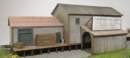 N Scale - The TrainMaster - 1N - Railroad, Freight House - Railroad Structures