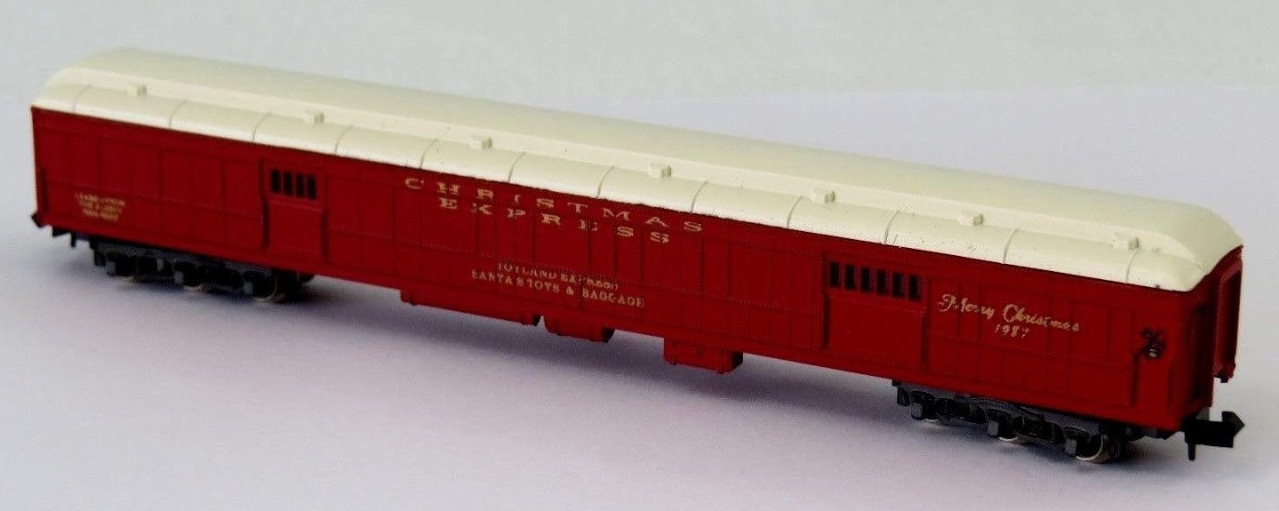 N Scale - Con-Cor - 0001-008702 - Passenger Car, Heavyweight, Baggage - Merry Christmas - 1987