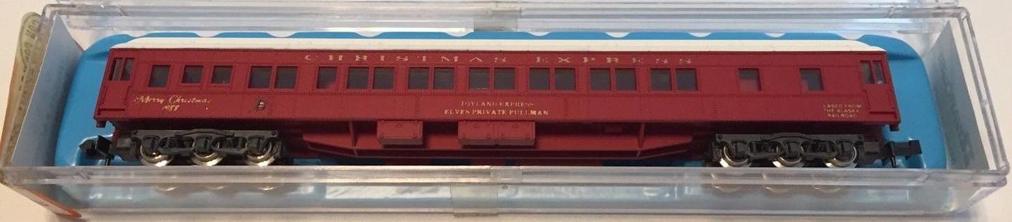 N Scale - Con-Cor - 0001-008708 - Passenger Car, Heavyweight, Pullman Sleeper 12-1 - Merry Christmas - 1988
