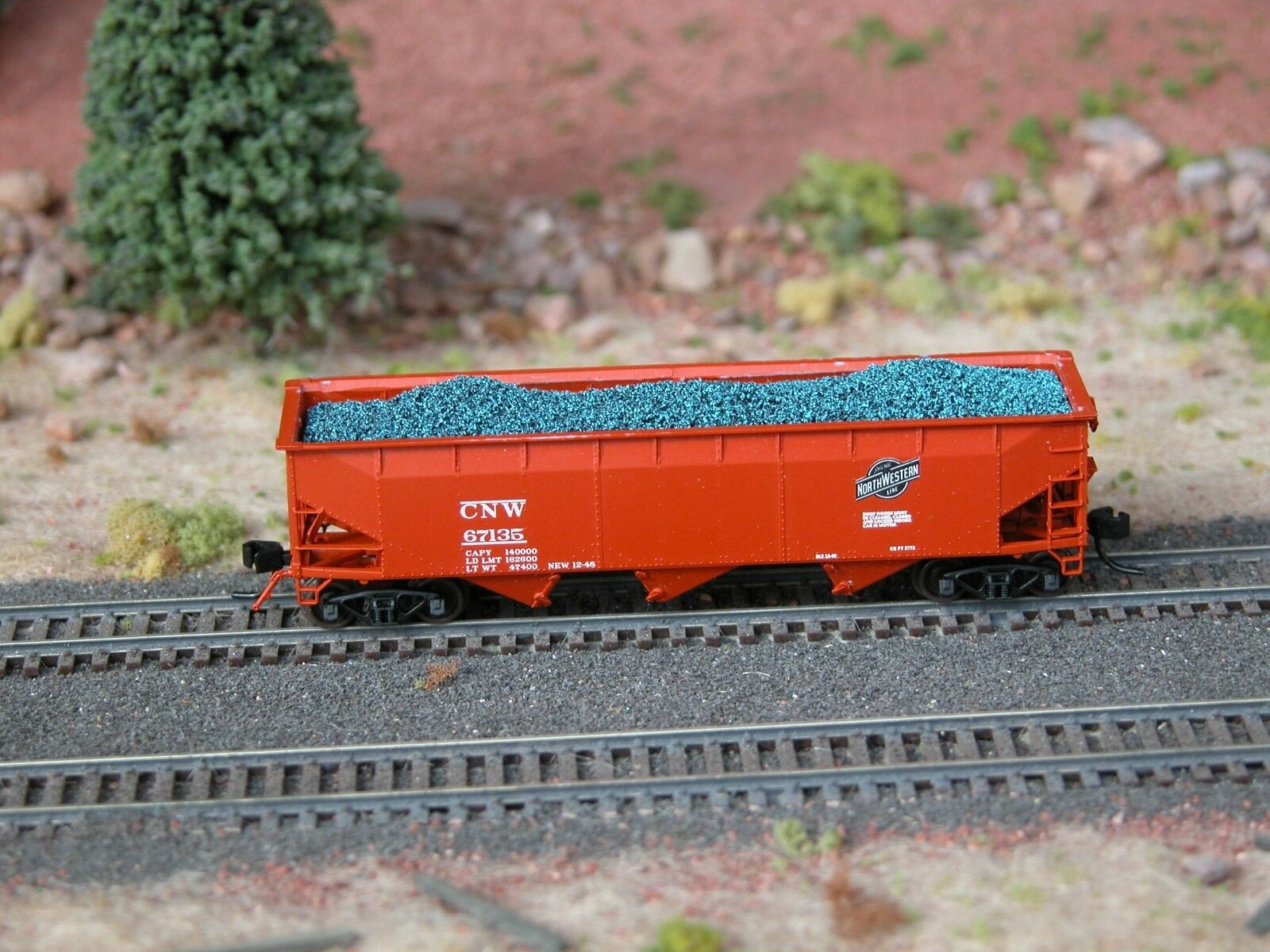 N Scale - Hay Bros - 9602 18 - Load - Painted/Unlettered - Blue Coal Load
