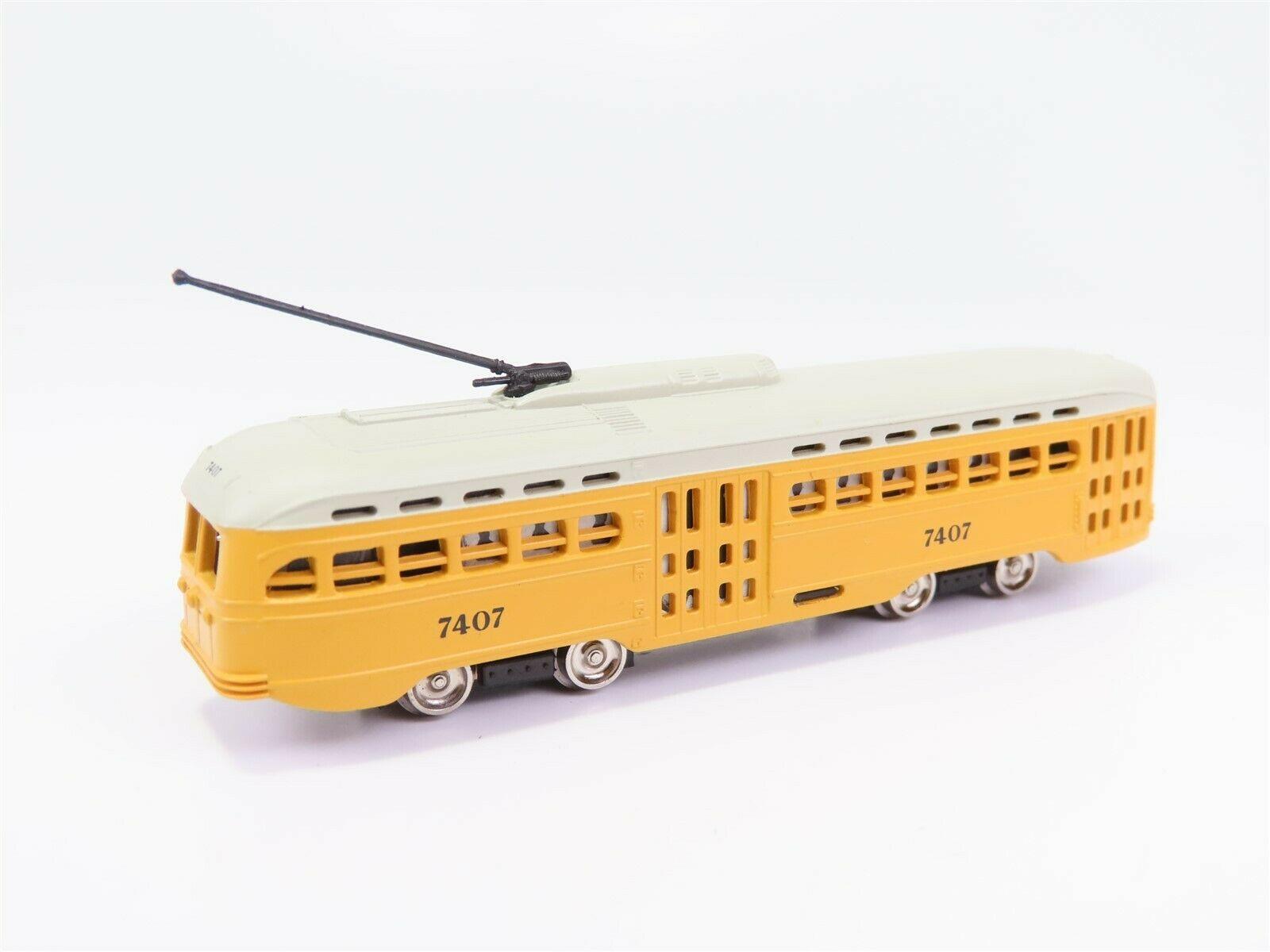 N Scale - Bachmann - 62989 - Streetcar, Electric, PCC Trolley - Baltimore Transit - 7407
