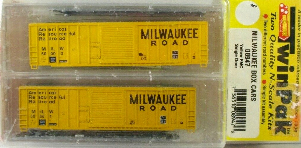 N Scale - Roundhouse - 8947 - Boxcar, 50 Foot, FMC, 5077 - Milwaukee Road - 2-Pack