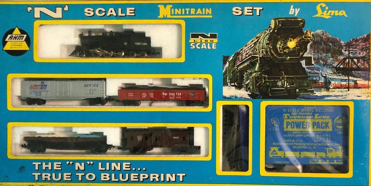 N Scale - AHM - 4612B - Freight Train, Steam, North American, Transition Era - Pennsylvania - Smokey Freight Train Set