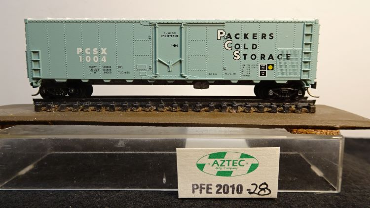N Scale - Aztec - PFE 2010-28 - Reefer, 50 Foot, Mechanical - Southern Pacific - 1004