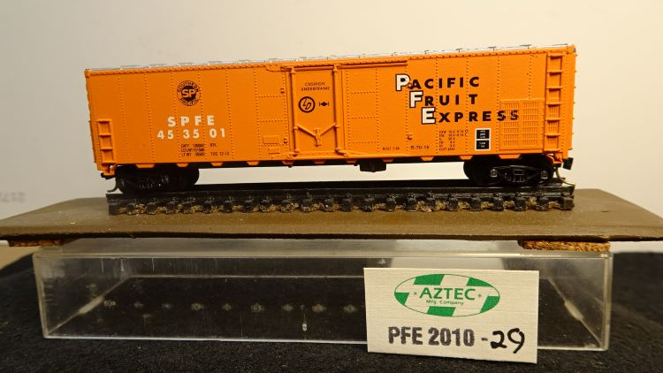 N Scale - Aztec - PFE 2012-29 - Reefer, 50 Foot, Mechanical - Pacific Fruit Express - 453501