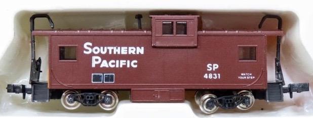 N Scale - Con-Cor - 0001-01251C - Caboose, Cupola, MI - Southern Pacific - 4831