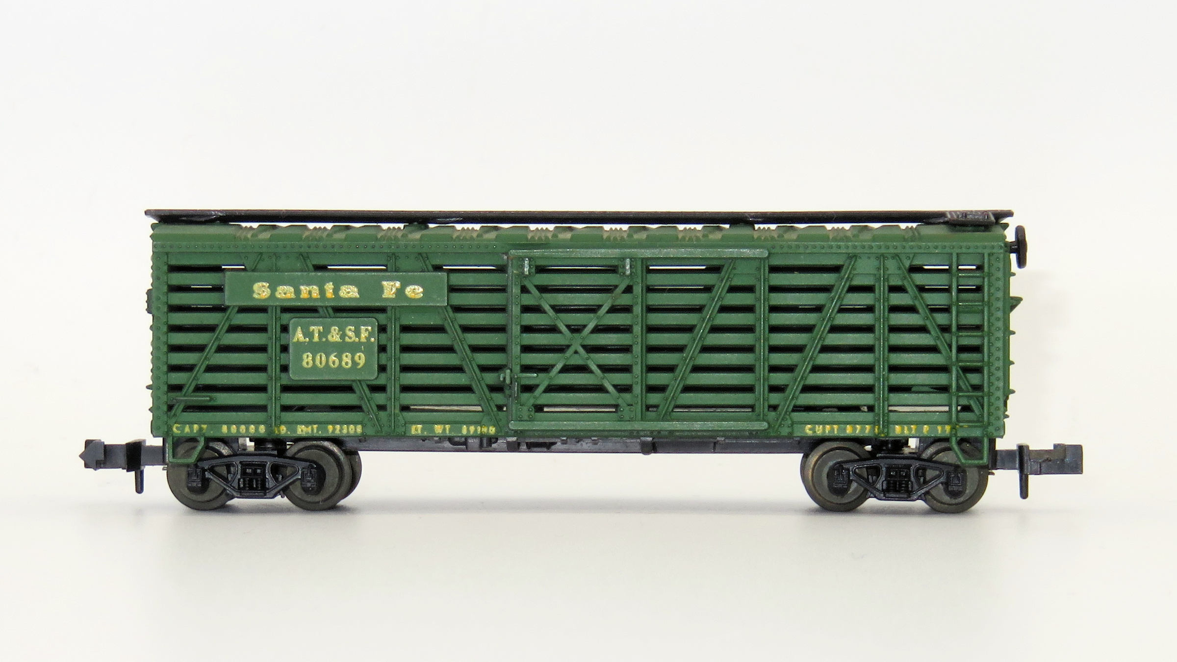 N Scale - Minitrix - 3216 - Stock Car, 40 Foot, Composite - Santa Fe - 80689
