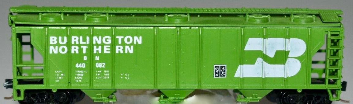 N Scale - JnJ - 9002-1 - Covered Hopper, 3-Bay, PS2 2893 - Burlington Northern - 440082