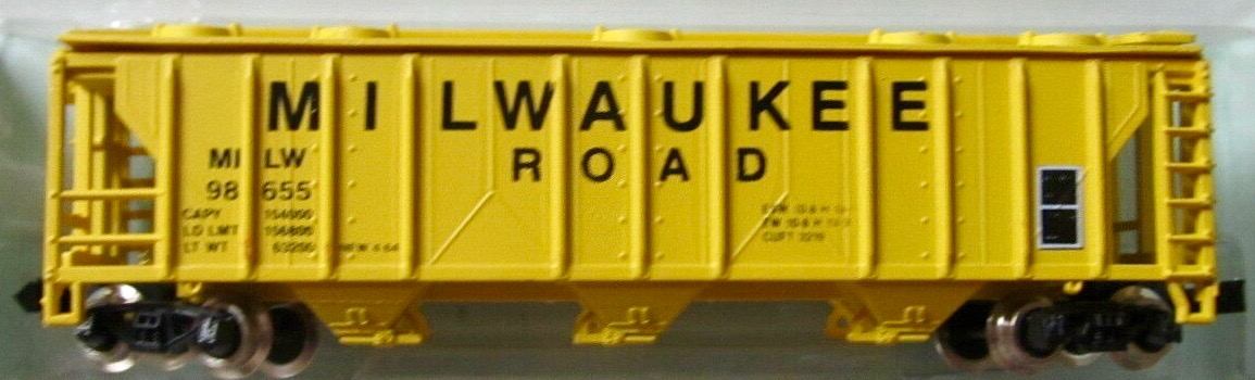 N Scale - JnJ - 9209-1 - Covered Hopper, 3-Bay, PS2 2893 - Milwaukee Road - 98655