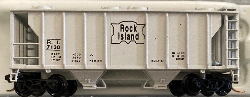 N Scale - JnJ - 9410-1 - Covered Hopper, 2-Bay, PS2 - Chicago, Rock Island and Pacific Railroad - 7130