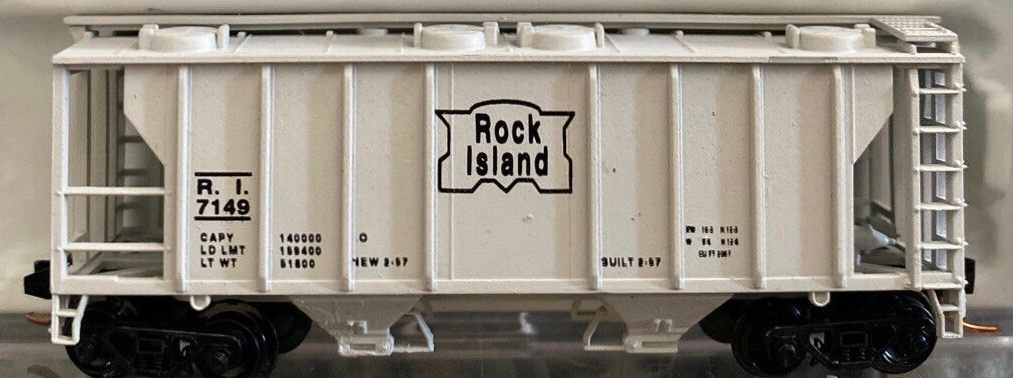 N Scale - JnJ - 9410-2 - Covered Hopper, 2-Bay, PS2 - Chicago, Rock Island and Pacific Railroad - 7149