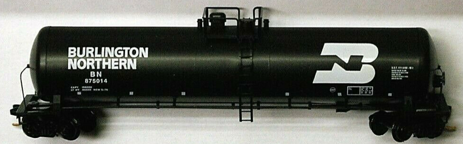 N Scale - Micro-Trains - 110 53 040 - Tank Car, Single Dome, 56 Foot - Burlington Northern - 875014