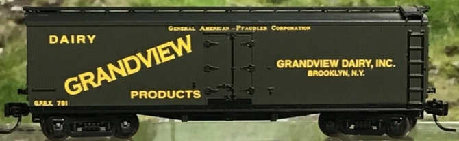 N Scale - Athearn - NSC ATH 11-01 - Reefer, 40 Foot, Pfaudler - Grandview Dairy - 791