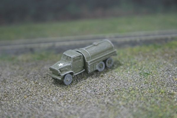 N Scale - KenRay - 02030 - Truck, GMC 2 1/2 Ton Fuel/Oil Tank - United States Army