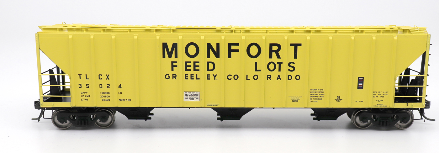N Scale - InterMountain - 672212-06 - Covered Hopper, 3-Bay, PS-2 - Monfort Feed Lots - 35027